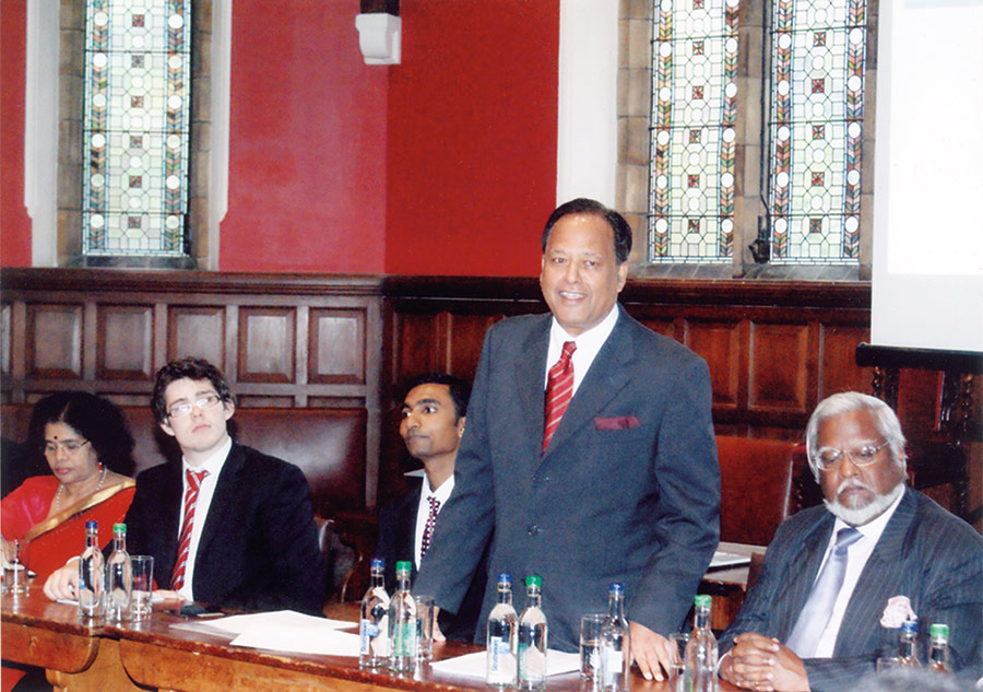 Speaking at the Oxford Union.